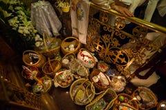 Innerhalb der orthodoxen Kirche auf Ostern Lizenzfreie Stockfotografie