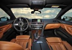 Innerhalb des Autos Stockfoto