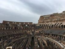 Innerhalb des Colosseum Lizenzfreie Stockfotos
