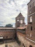 Innerhalb des Hofes des Schlosses lizenzfreie stockfotos
