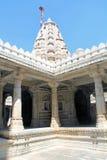 Innerhalb des Jain Tempels von Ranakpur Lizenzfreie Stockbilder