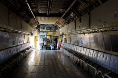 Innerhalb des Laderaums der Flugzeuge IL-76 Lizenzfreie Stockfotos