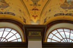 Innerhalb des Raumes wird im Stil des 19. Jahrhunderts verziert Stockfotografie