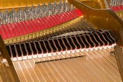 Innerhalb des Stutzflügel-Klaviers Lizenzfreies Stockbild