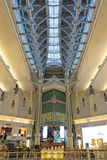 Innerhalb des vornehmen Malls Taipehs 101 in Taipeh Lizenzfreie Stockfotografie