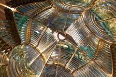 Innerhalb einer großen Leuchtturm Fresnellinse lizenzfreies stockbild