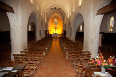Innerhalb einer netten Kirche Stockfoto