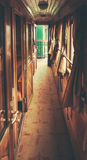 Innerhalb eines alten Zugs Stockfoto