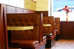 Innerhalb eines leeren Cafés Stockfoto