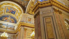 Innerhalb Heilig-Isaac-` s Kathedrale stock video