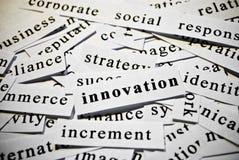 Innovación. Concepto de palabras del recorte relacionadas con negocio. Fotografía de archivo libre de regalías