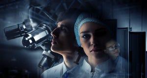 Innovatieve technologieën in wetenschap en geneeskunde Gemengde media Stock Foto