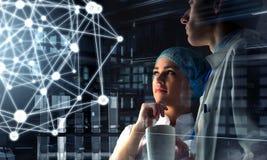 Innovatieve technologieën in wetenschap en geneeskunde Gemengde media Gemengde media Stock Afbeeldingen