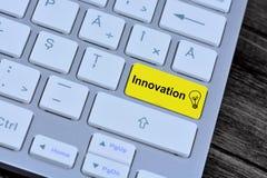 Innovation auf Tastaturknopf Lizenzfreie Stockbilder