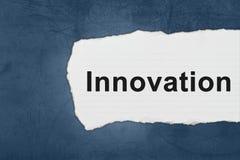 Innovation avec des larmes de livre blanc photographie stock libre de droits