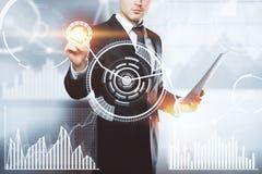 Innovazione, interfaccia e concetto dello schermo attivabile al tatto Immagini Stock