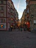 Innsbruck in de avond Royalty-vrije Stock Foto's