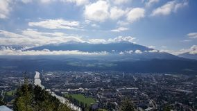 Innsbruck Tirol, Austria, Wrzesień,/- 21st 2017: Widok na Innsbruck od góry staci Hungerburg Obrazy Royalty Free
