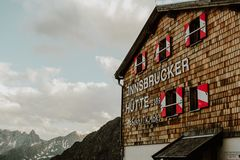 Innsbrucker Hutte山小屋 免版税库存图片