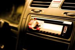 Inom av bilen radio multimedior arkivfoto