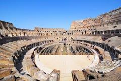 Inom av Colosseum i Rome arkivfoto