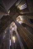 Inom av den gotiska domkyrkan Batalha, Portugal Arkivbilder