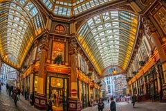 Inom av den Leadenhall marknaden London Arkivbild