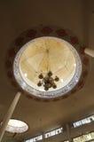 Inom av den lilla kupolen av Abidin Mosque i Kuala Terengganu Malaysia Royaltyfria Bilder