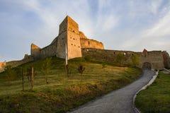 Inom av Rupea den medeltida citadellen Rumänien Arkivbild