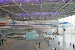 Inom den Air Force One paviljongen på Ronald Reagan Presidential Library och museet Simi Valley, CA Arkivfoton