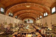 Inom den historiska marknaden för västra sida i Cleveland fotografering för bildbyråer