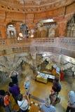 Inom den Jain templet Jaisalmer fort Rajasthan india arkivbild