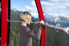 Inom den maximala gondolen för maximum 2 i Whistler Kanada Royaltyfri Bild