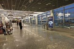 Inom den nya terminalen i Frankfurt Arkivbilder