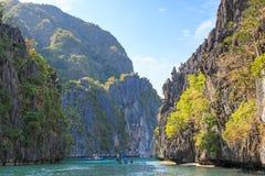 Inom den stora lagun av den Miniloc ön El Nido, Palawan, Filippinerna Arkivbild
