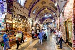 Inom den storslagna basaren i Istanbul Turkiet Royaltyfria Bilder
