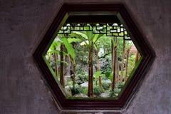 Inom den Yu trädgården i Shanghai Arkivbild
