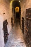 Inom det gamla fängelset under Doge&en x27; s-slott i Venedig - Italien Royaltyfri Fotografi