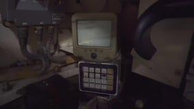 Inom kabinen av en behållare arkivfilmer