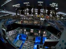 Inom kabinen av rymdfärjan Columbia royaltyfri fotografi