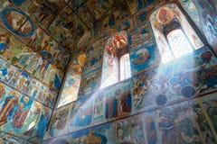 Inom kyrka av St John evangelisten i den Rostov Kreml Royaltyfri Foto