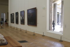 Inom museum paris Frankrike royaltyfri foto