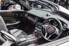 Inom och konsol av Mercedes benz-SLK 200 Royaltyfria Bilder