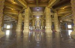Inom pagodfärggulden Fotografering för Bildbyråer