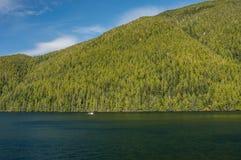 Inom passage F. KR., Kanada - September 13, 2018: Alkien, en alaskabo fisketroller som byggs i 1925 i Tacoma arkivfoto