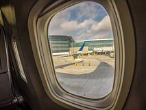 Inom platser för ett kommersiellt flygbolag Royaltyfria Foton