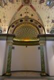 Inom rummet dekoreras i stilen av det 19th århundradet Royaltyfri Bild