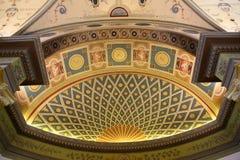 Inom rummet dekoreras i stilen av det 19th århundradet Royaltyfri Fotografi
