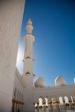 Inom sheikhen Zayed Moské i Abu Dhabi Arkivbild