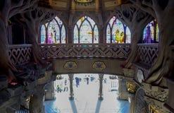 Inom slotten av att sova skönhet i Disneyland parkerar Paris Arkivfoton